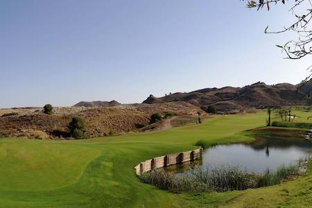 Water hole on Lorca Golf Course