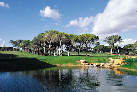 Water hazard on Vila Sol Golf Course